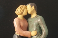 Escultura: Pareja abrazada